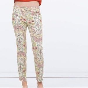 zara Off-White Floral Pixel Ankle Cropped Pants
